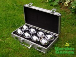 Boules in Metal Box