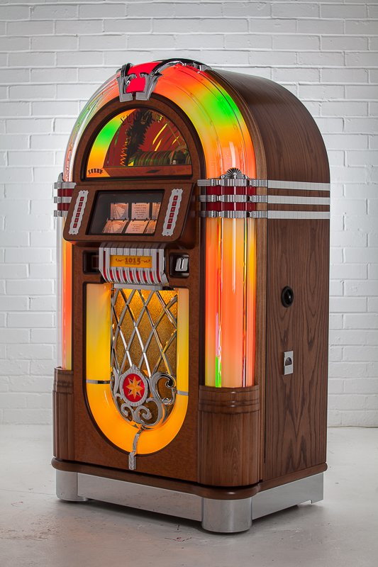 Sound Leisure 1015 Jukebox | 80 CD Juke Box | Homegames | Home Games
